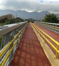 Abierto nuevo puente peatonal frente al parque Simón Bolívar y Biblioteca Virgilio Barco