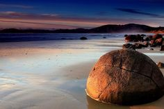 Beach with round boulders, Moeraki, New Zealand