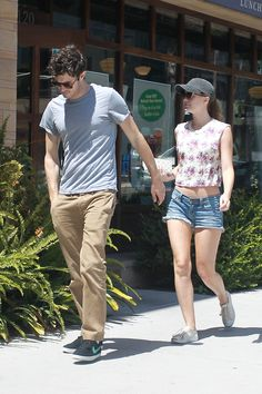 Leighton Meester Shows Skin For Breakfast With Her Beau Adam Brody | Pictures