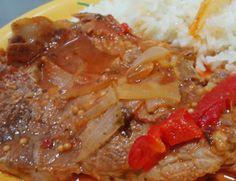 Costeletas de Porco em Cebolada - http://www.receitasja.com/costeletas-de-porco-em-cebolada/