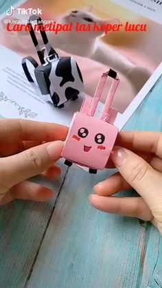 Diy Crafts Hacks, Diy Crafts For Gifts, Diy Crafts Videos, Creative Crafts, Diy Videos, Paper Crafts Origami, Paper Crafts For Kids, Diy Paper, Diy For Kids