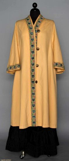 Wool Flannel Coat, Paris, Early 20th C, Augusta Auctions, MAY 13th & 14th, 2014, Lot 127