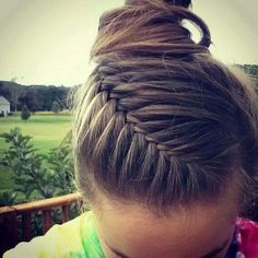 11 Cool and Practical Hairstyle for Training – Diana Torres 11 Cool and Practical Hairstyle for Training Fishtale french braid, this is gorgeous! Did this one on my friend the other day! French braid the hair but cross twostrands rather than 3 French Braid Hairstyles, Pretty Hairstyles, Easy Hairstyles, Girl Hairstyles, French Braids, Hairstyle Ideas, Softball Hairstyles, Workout Hairstyles, Athletic Hairstyles
