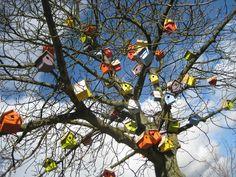 'Happy City Birds' by Thomas Dambo. See more in The Loop #6 on the BleepBleeps blog.