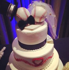 Classic Baseball Themed Wedding Cake for the bride and groom who want a more elegant look for their wedding cake.  #baseballwedding
