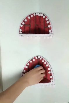 This easy-to-sew bag cleverly incorporates outer pockets for everyday necessities. Click ahead to see how you can create one of your own! Awesome diy ideas That u will love😘 Lots of good ideas . Diy Crafts Hacks, Diy Crafts For Gifts, Diy Home Crafts, Diy Arts And Crafts, Creative Crafts, Crafts To Make, Fun Crafts, Crafts For Kids, Wood Crafts