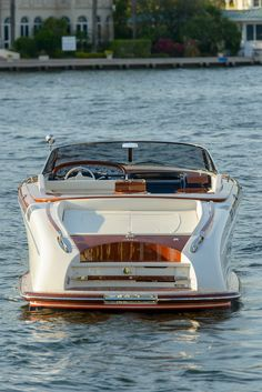 Used Riva for sale (Power Boats) Riva Boat, Yacht Boat, Sailboat Yacht, Yacht Design, Boat Design, Speed Boats, Power Boats, Bateau Yacht, Riva Yachts