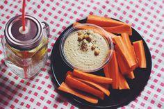 Hummus & Carrots