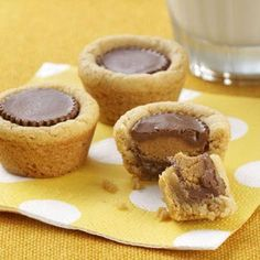 Miniature Peanut Butter Treats Recipe -This recipe is one of my family's favorites, and I make these treats a lot, especially at Christmas. I have 3 children… Mini Desserts, Cookie Desserts, Dessert Recipes, Cookie Cups, Dessert Bars, Dessert Ideas, Cookie Table, Bar Recipes, Candy Recipes