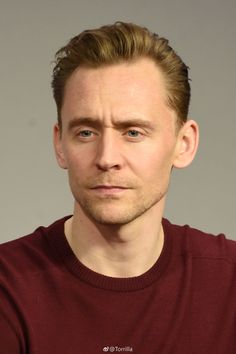 Tom Hiddleston at a panel during the Kong: Skull Island cast presentation at Apple Store Soho, New York 6.3.2017 From  http://tw.weibo.com/torilla/4082587024870904