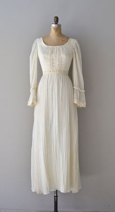 Into the Mystic wedding gown / vintage 1970s wedding by DearGolden
