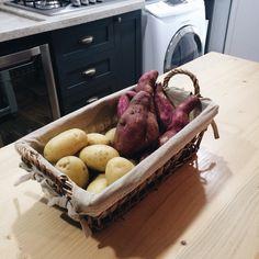 Batatas Turkey, Meat, Food, Decor, Potatoes, Knives, Decoration, Turkey Country, Essen