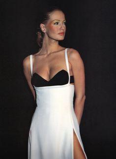 Karen Mulder @ Versace Spring 1993