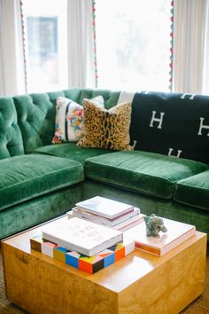 Green velvet tufted sectional, avalon blanket - Design by Bailey McCarthy photo by Kimberly Chau