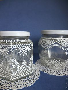 super Ideas painting glass jars white super Ideas painting glass jars whiteYou can find Painted jars and more on our super Ideas painting glass jars white su. Painting Glass Jars, Painted Glass Bottles, Painted Jars, Bottle Painting, Crafts With Glass Jars, Glass Bottle Crafts, Jar Crafts, Bottle Art, Ramadan Decoration