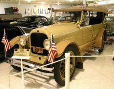 1921 Haynes Model 55 Sport Touring Car - Motocycle Pictures and Wallpapers Car Photos, Car Pictures, Classic Cars Usa, Automobile Companies, Heritage Museum, Car Museum, Car Show, Photo Library, Touring