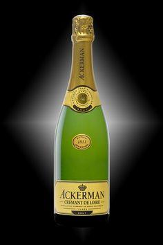 Crémant de Loire 1811 - Chenin, Chardonnay et Cabernet Franc - Robe or pâle et transparente, à nuance émeraude. Une bouche harmonieusement structurée entre fruit et fraîcheur, une touche anisée en finale.