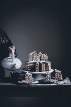 Gingerbread Village Cake - Call Me Cupcake - Christmas Christmas Sweets, Christmas Mood, Christmas Cookies, Xmas, Gingerbread Village, Gingerbread Cake, Holiday Baking, Christmas Baking, After Eight Torte