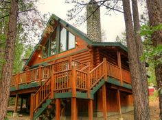Cabin in Big Bear Lake, United States. Sinatra's Villa, where family and friends unite! This beautiful 3 bedroom, 2 bath, 2 story Log cabin offers relaxation and/or fun and entertainment for everyone!  Enjoy an amazing updated cabin sleeps up to 9 guests and offers parking for 3 vehicl... - Get $25 credit with Airbnb if you sign up with this link http://www.airbnb.com/c/groberts22