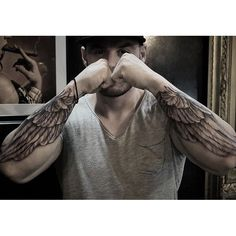 #mulpix Amazing artist Christopher Lee @chriscrooked from @lowridertattooorange forearm wings tattoos! @sullenclothing @proartists @art_motive @worldofartists @mindblowingtattoos @bnginksociety @inkedmag @inksav #christopherlee #italy #roman #ericmarcinizyn #georgia #italiano #classical #heaven #rome #eastcoast #la #renaissance #realism #michelangelo #arm #photorealism #girl #portrait #sullen #sullenclothing #wings #europe #italian #blackandgrey #tattoo #ink #cali
