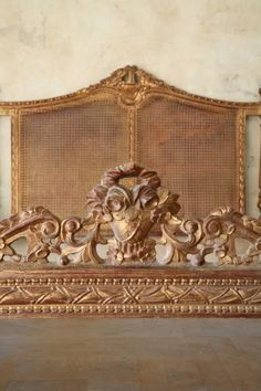 Shabby Gilt Floral Cane Carved Queen Bed 1940s