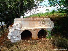 Antigo Bueiro Desativado Com o Símbolo da Companhia Paulista de Estradas de Ferro - Itapuí