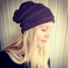 free knitting pattern Side Knit Beanie pattern by Katrine Hammer (for angel cable ) and more free slouchy hat knitting patterns