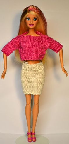 Barbie 851-900 Knitted skirt and crop top.