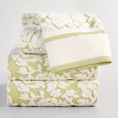 Woven in Portugal of absorbent cotton, our hand towel features a sculpted floral…