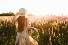Young woman in straw hat and dress with . Background Vintage, Gray Background, Textured Background, Abstract Backgrounds, Black Backgrounds, Lupine Flowers, Distressed Texture, Rose Frame, White Concrete