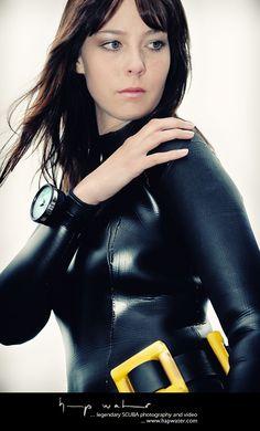 A beautiful Russian frogwoman in a skin-tight neoprene rubber wetsuit in the SCUBA Fantasy February 2014 update.