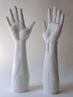 Paris-based artist Karine Jollet's sculpts body parts, with strangely precise anatomical detail, out of various fabrics. More images below. Karine Jollet's Website Via Hi-Fructose Human Sculpture, Soft Sculpture, Sculpture Ideas, Sculpture Textile, Textile Art, Textiles, A Level Art, Daisy, Fabric Art