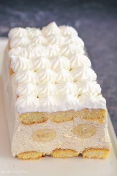 Romanian Desserts, Cake Recipes, Dessert Recipes, Eclair, Vegan Kitchen, Pastry Cake, Dessert Drinks, Sweet Cakes, Something Sweet