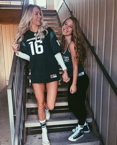 Easy Halloween Costume Ideas For College Students Hot College Halloween Costumes For Girls Costume Halloween, Halloween Costumes For Girls, Girl Costumes, Costume Ideas, College Outfits, College Girls, Tailgate Outfit, Football Outfits, Best Friend Goals