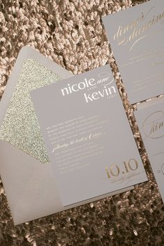 Foil Rose Gold Glitter Wedding Invitations von JustInviteMe