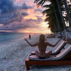 Those crazy Philippino sunsets!💜 #sunset #yoga #meditation