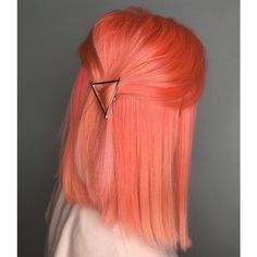 * Pantone Color Of The Year Living Coral Amazing Awesome Pantone Color Of T. Face Shape Hairstyles, Cool Hairstyles, Hairstyles 2016, Peach Hair Colors, Pink Peach Hair, Cheveux Oranges, Pastel Hair, Pastel Orange Hair, Colorful Hair