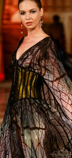 It might make us twitchy, but Hendrik Vermeulen's latest fashion collection is inspired by the intricate patterns of insects. South African Fashion, African Fashion Designers, Evening Dresses, Prom Dresses, Couture, Colorful Fashion, People Like, Stylish, Womens Fashion