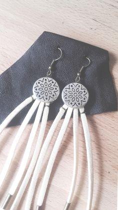WAYFARING EMMYLOU ~ White Suede Earrings by IndianYepaVintage on Etsy