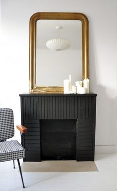 Strongly considering a black fireplace. Black Fireplace Surround, Fireplace Brick, Apartment Makeover, Villa, Living Room Interior, Home And Living, Interior Inspiration, Sweet Home, House Design