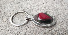 Porteclés / Fused Glass Keychain / Red et Green par FancyThatFusion, $12.00