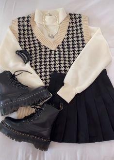 Kpop Fashion Outfits, Edgy Outfits, Korean Outfits, Mode Outfits, Retro Outfits, Cute Casual Outfits, Kawaii Fashion, Cute Fashion, Look Fashion