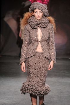 London Fashion Week Sister by Sibling A/W 2013 - Chunky lace cardigan