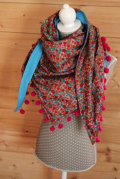 chèche à pompons des fleurs pleine de couleurs, pour réchauffer l'hiver ? :)