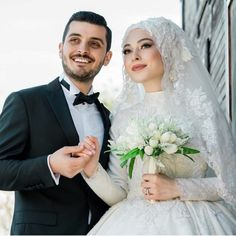 There are different rumors about the history of the marriage dress; Bridal Hijab, Muslim Wedding Dresses, Hijab Bride, Muslim Brides, Wedding Hijab, White Wedding Dresses, Wedding Poses, Wedding Couples, Bridal Dresses