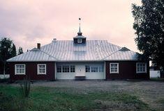 Alajärvi, Nuorisoseuran talo. Alvar Aalto 1919. Nordic Classicism, Alvar Aalto, Classical Architecture, Finland, Shed, Outdoor Structures, Cabin, House Styles, Home Decor