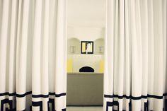 Curtain room divider