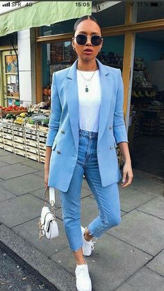 Discover the details that make the difference from the best Street Style, unique people with a lot of style - #women'sstreetstyleClassy #women'sstreetstyleMaxiSkirts #women'sstreetstyleNewYork #womensstreetstyle