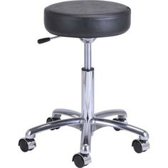 Salon stool for pedicures
