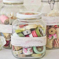 Organizing Washi Tape / Guarda tu Washi Tape Pretty storage jars